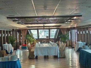 boat1_salon3